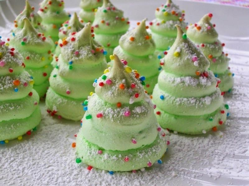 Вкусное безе «Елочки», которым так приятно порадовать родных на праздник