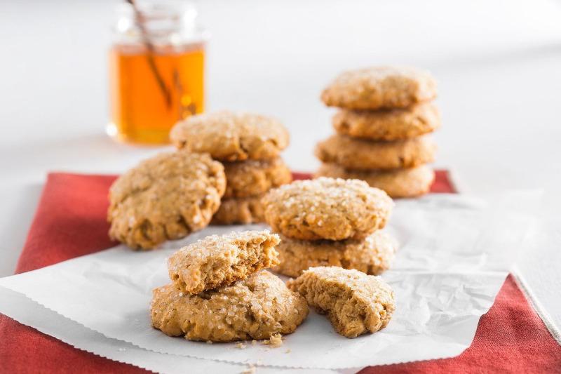 3 рецепта хрустящего печенья из манки, которое не пригорает