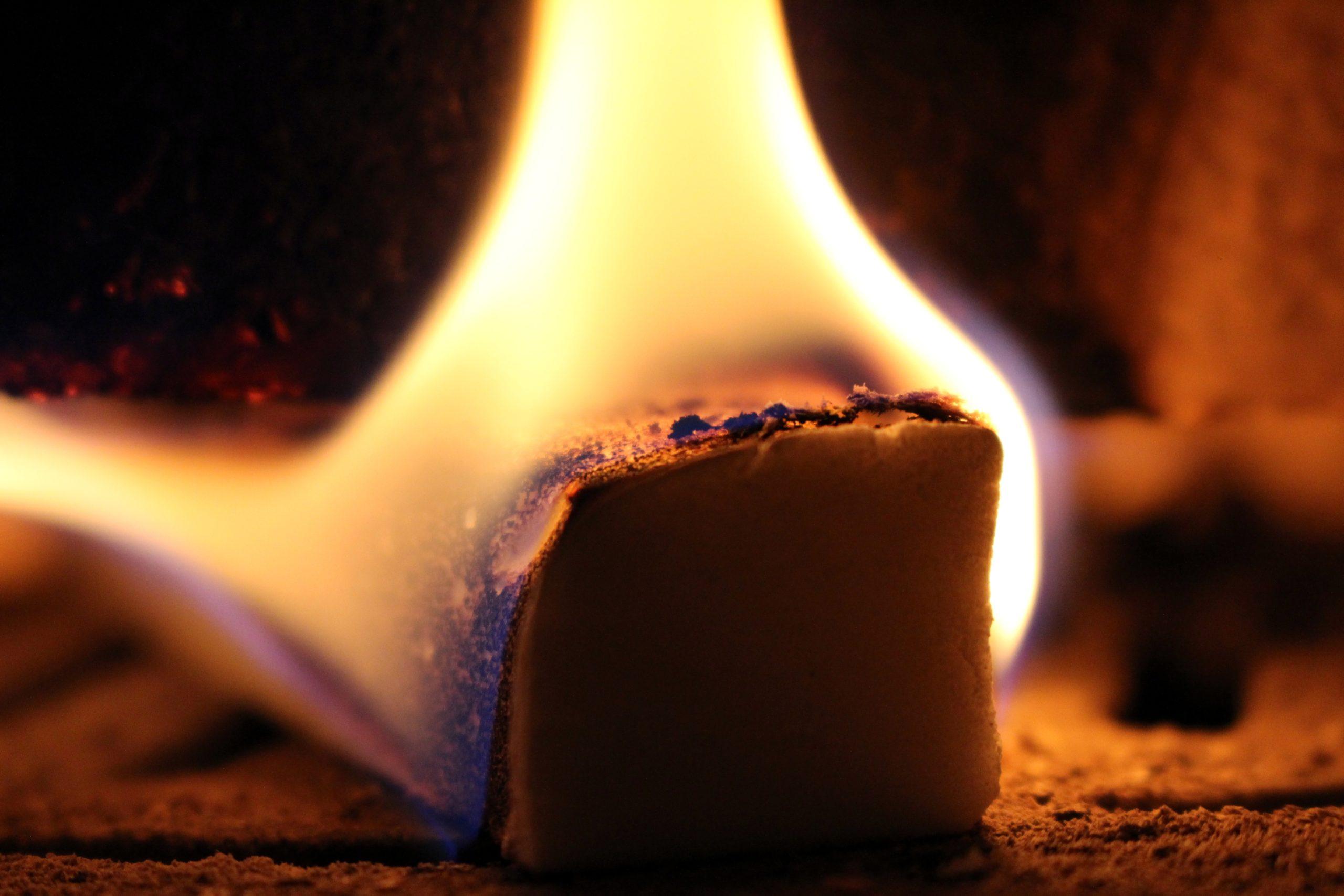 Должно ли это вообще происходить с шоколадом при воздействии огня?