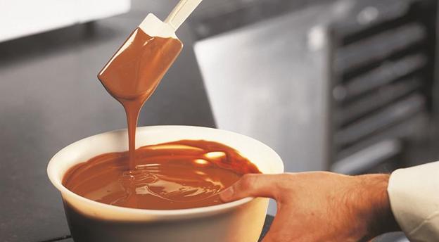 Темперирование шоколада в домашних условиях: обзор технологии в подробной инструкции